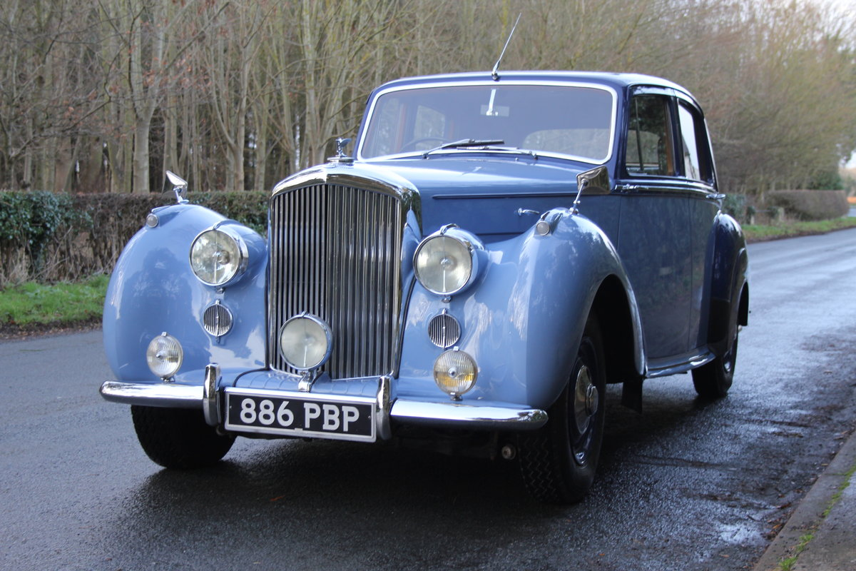 1949 Bentley MKVI Standard Steel Saloon For Sale (picture 2 of 12)