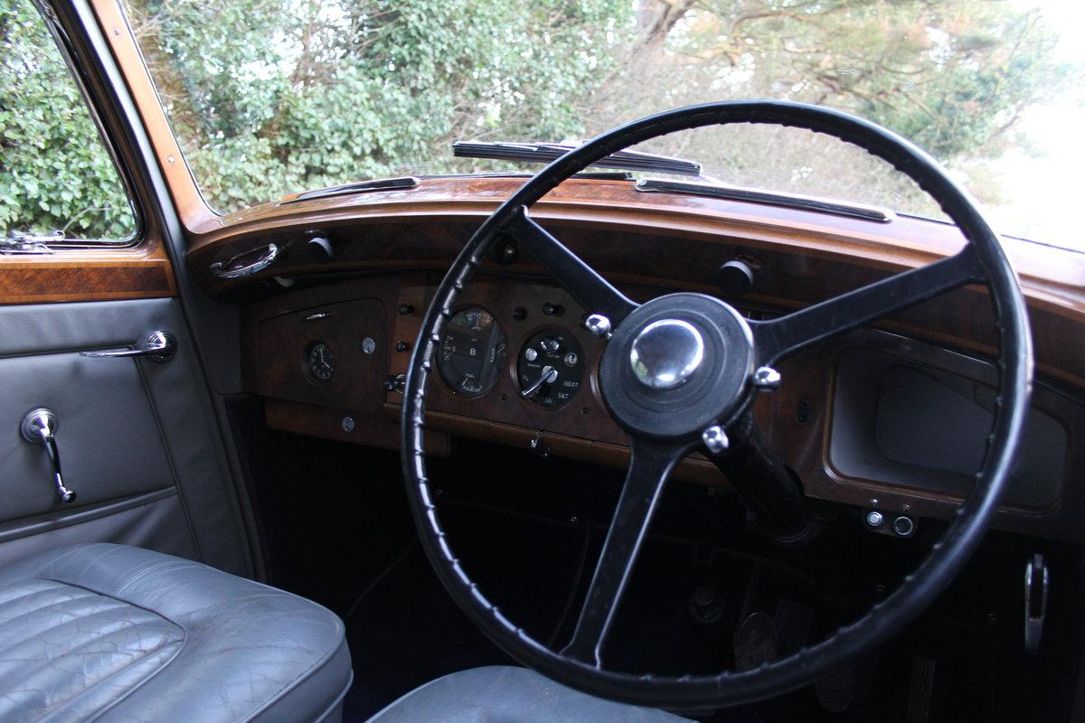 1949 Bentley MKVI Standard Steel Saloon For Sale (picture 5 of 12)