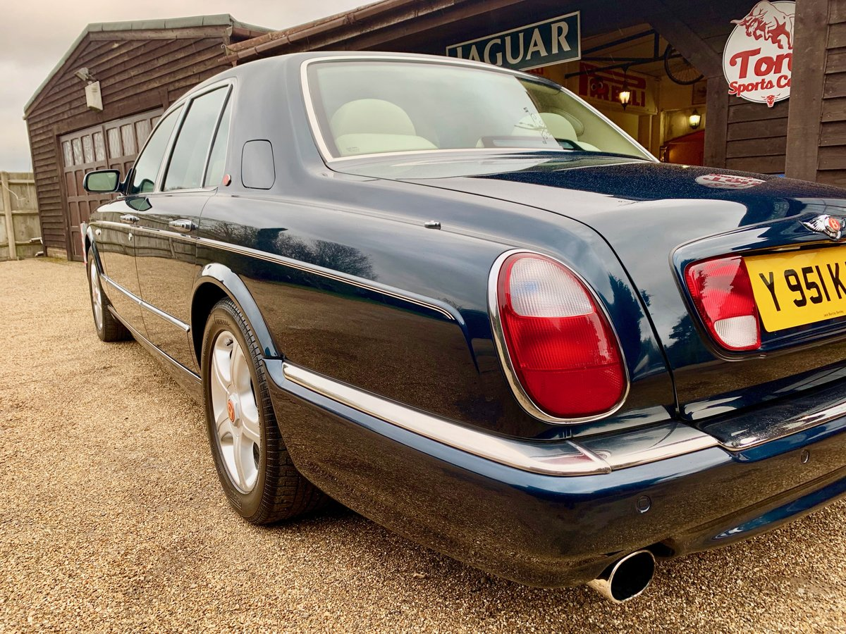 2001 BENTLEY ARNAGE RED LABEL, ONE OWNER 50,000 MILES FROM NEW! SOLD (picture 2 of 6)
