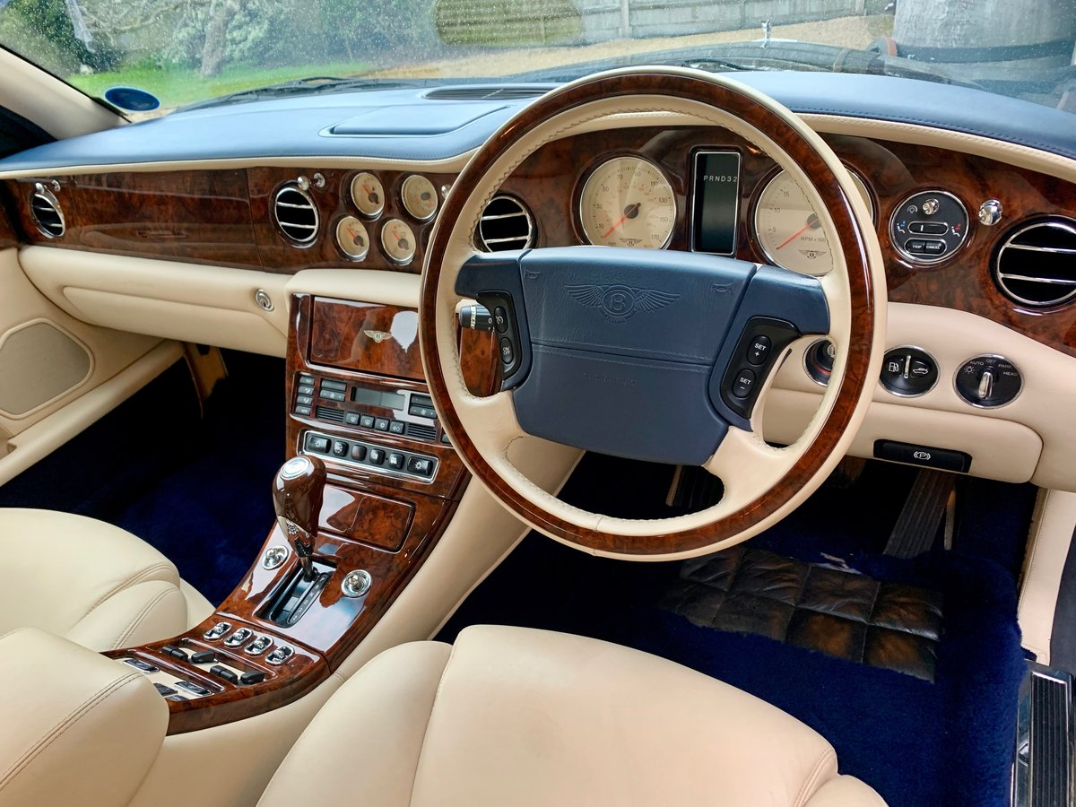 2001 BENTLEY ARNAGE RED LABEL, ONE OWNER 50,000 MILES FROM NEW! For Sale (picture 3 of 6)