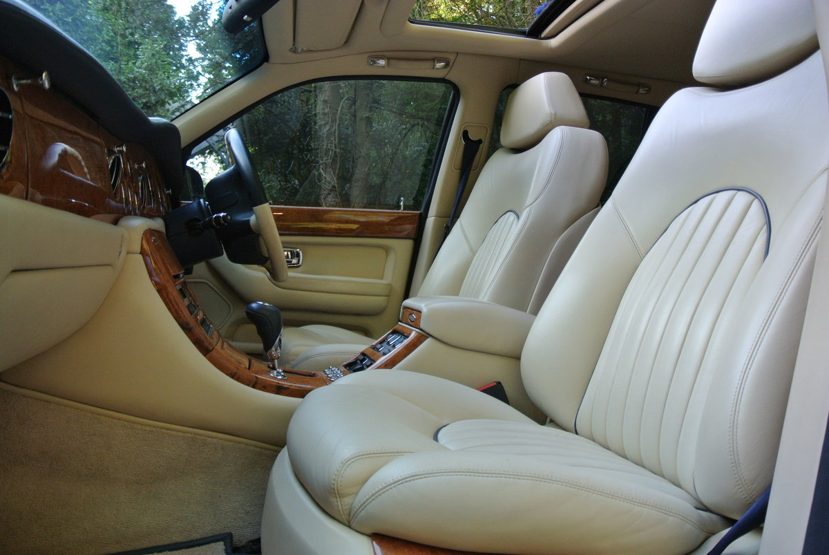 2000 BENTLEY ARNAGE T 6.7   For Sale (picture 9 of 12)