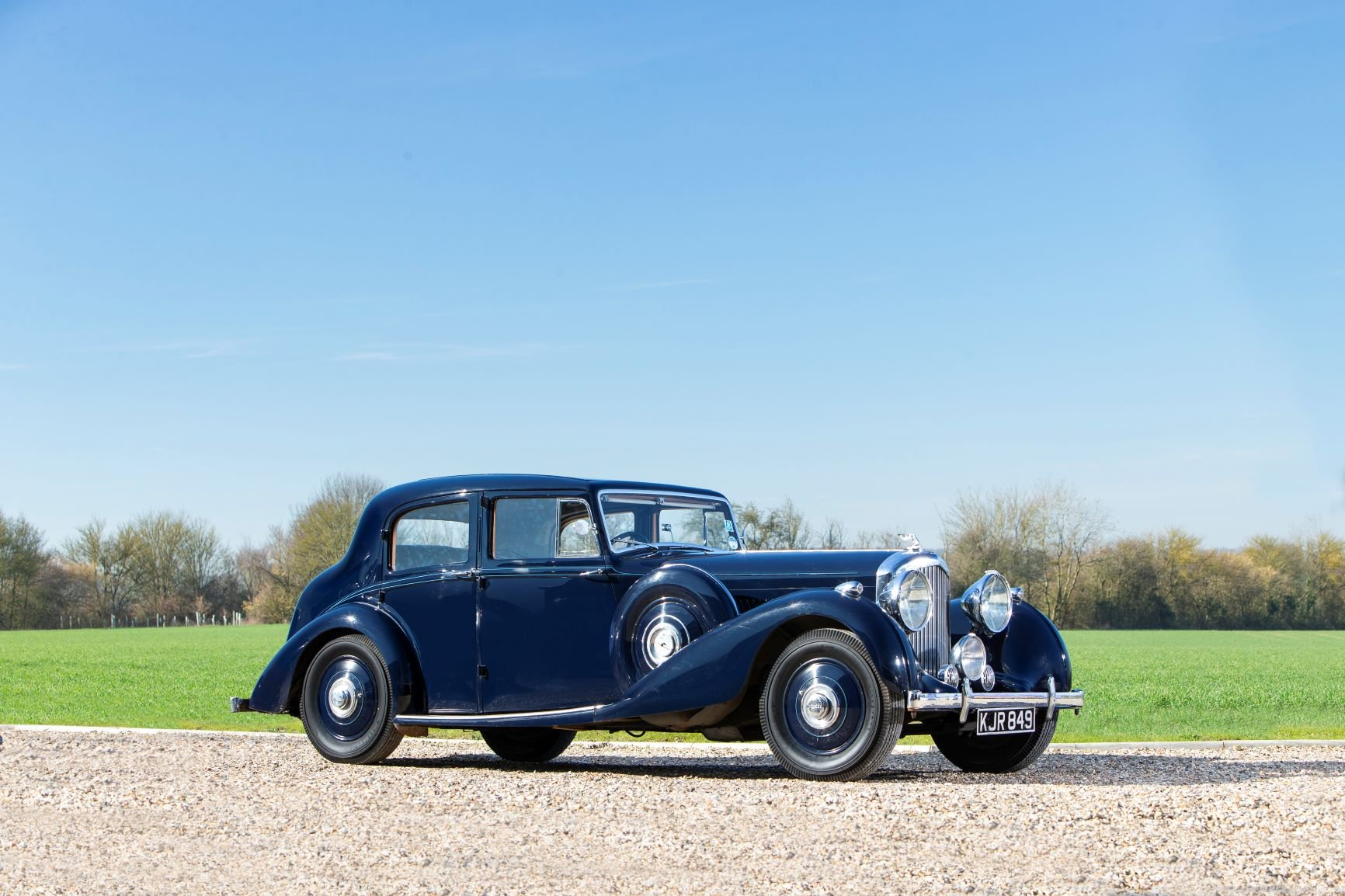 1939 Bentley 4¼-Litre Sports Saloon by Park Ward For Sale (picture 1 of 6)