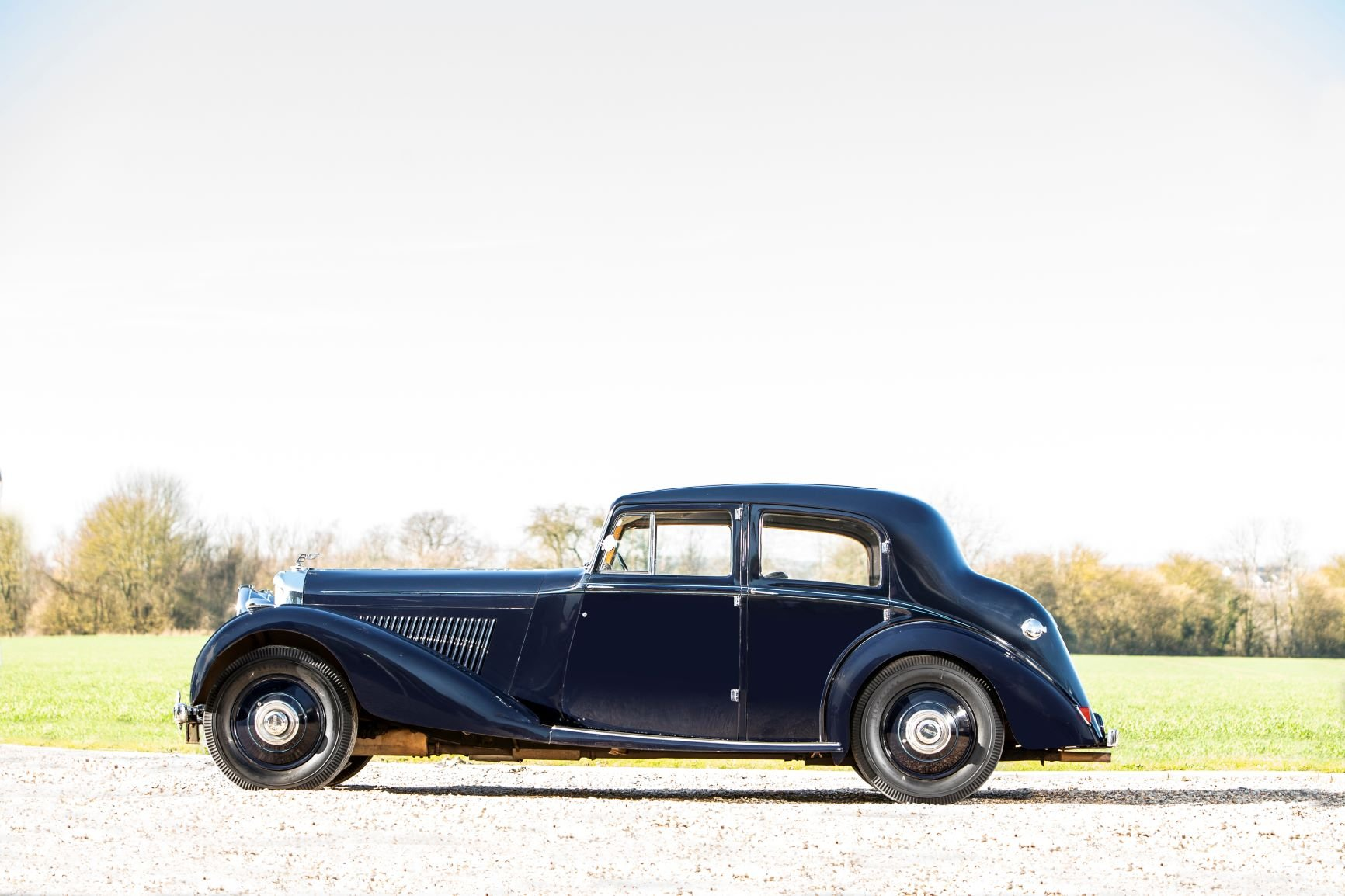 1939 Bentley 4¼-Litre Sports Saloon by Park Ward For Sale (picture 2 of 6)