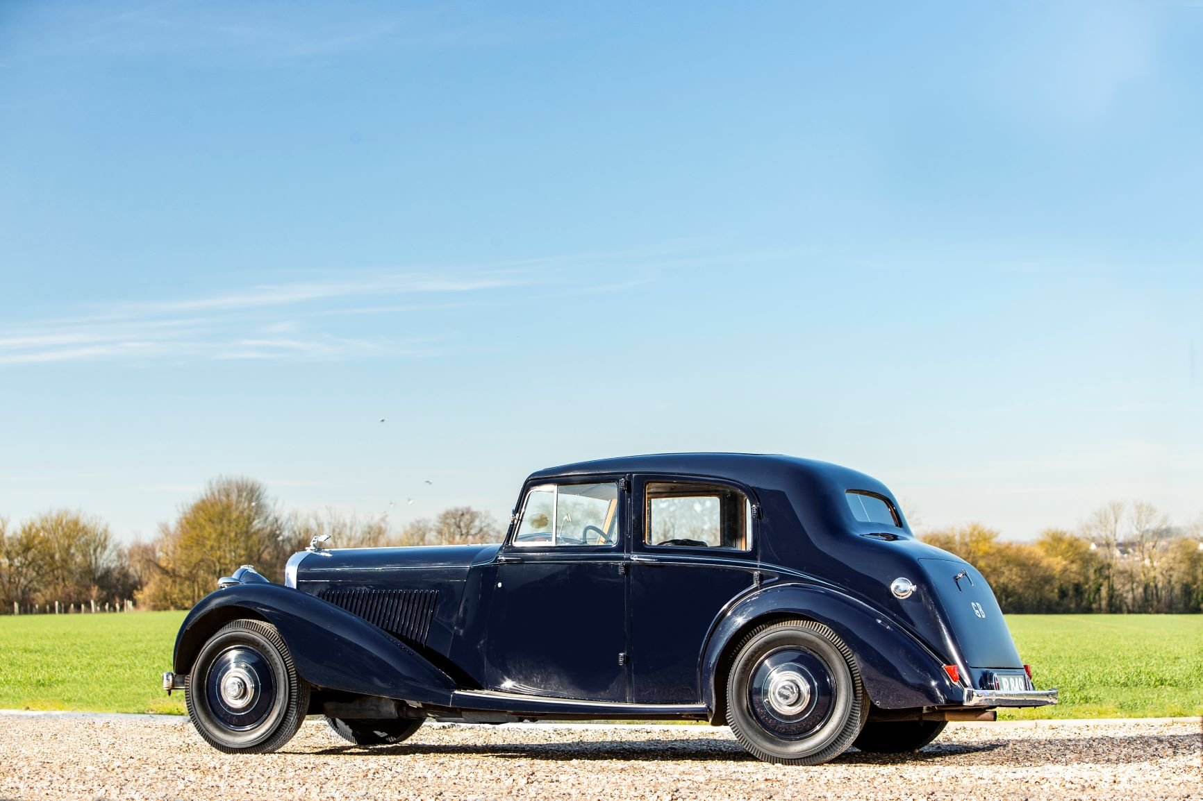 1939 Bentley 4¼-Litre Sports Saloon by Park Ward For Sale (picture 3 of 6)