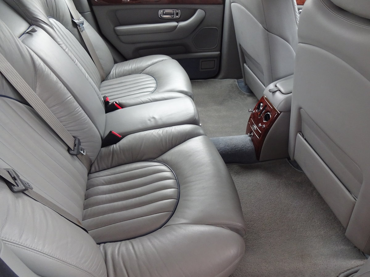 1999 Bentley Arnage 4.4 V8 Only 22,000 miles For Sale (picture 5 of 6)