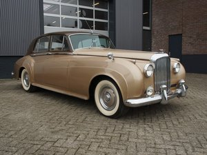1955 Bentley S1 original LHD, original colours, early S1 For Sale