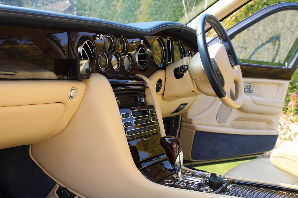 2005 Bentley Arnage t Mulliner  For Sale (picture 2 of 5)