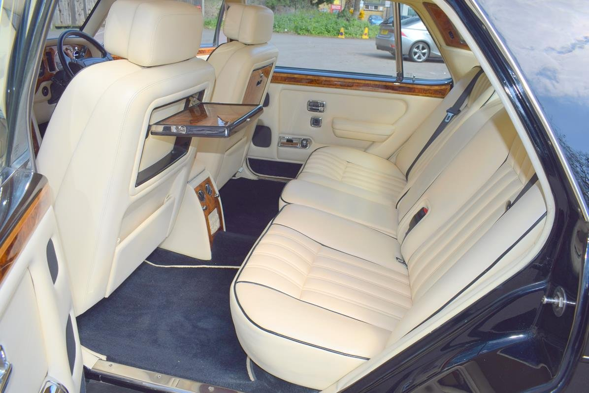 1996 P Rolls Royce Silver Spur MK IV in Masons Black For Sale (picture 3 of 6)