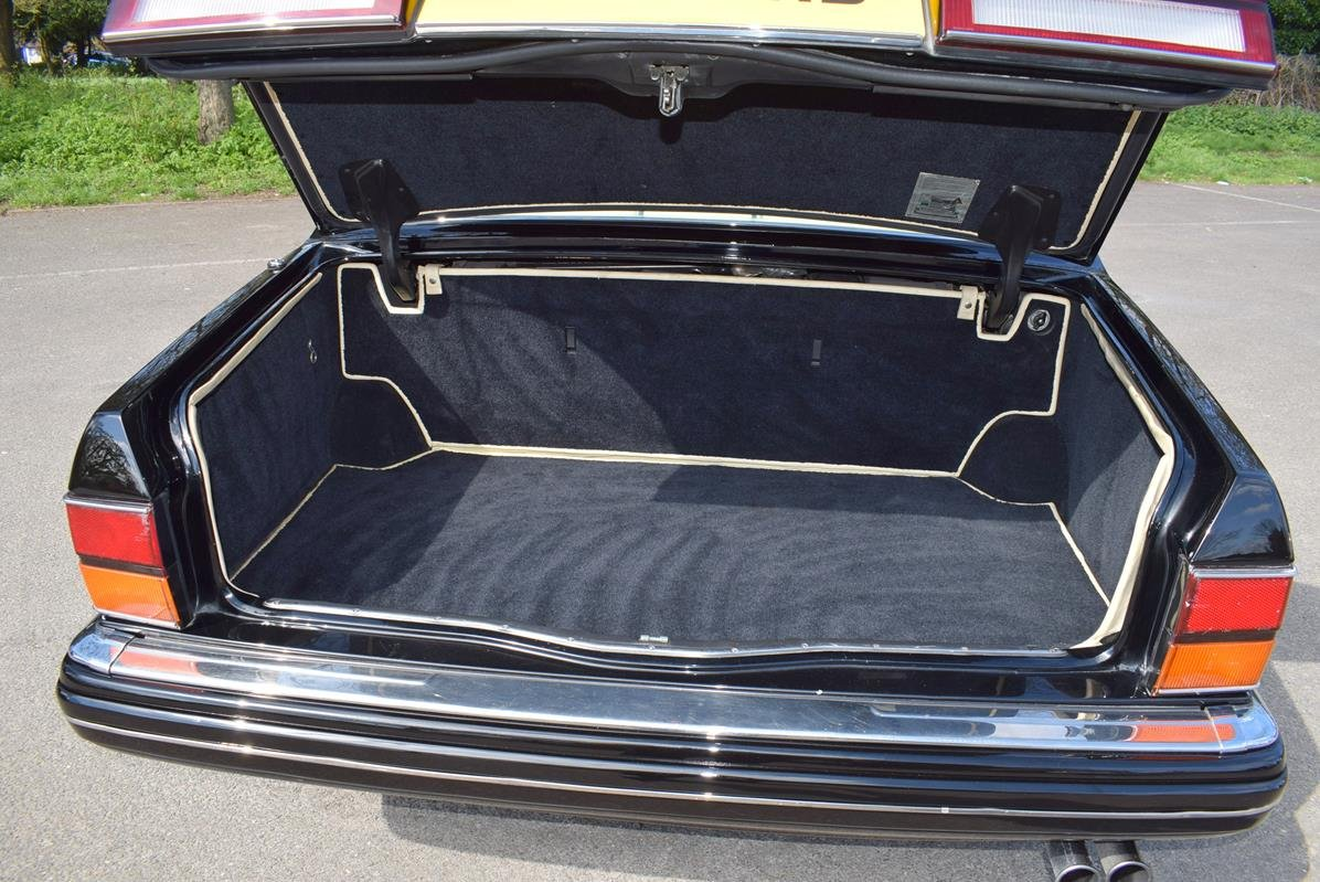 1996 P Rolls Royce Silver Spur MK IV in Masons Black For Sale (picture 6 of 6)
