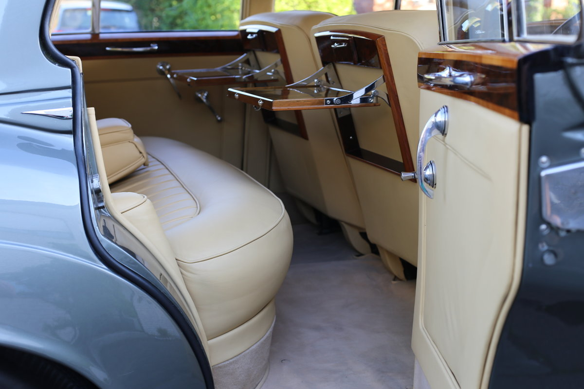 A majestic fully restored 1958 Bentley S1 SOLD (picture 6 of 6)