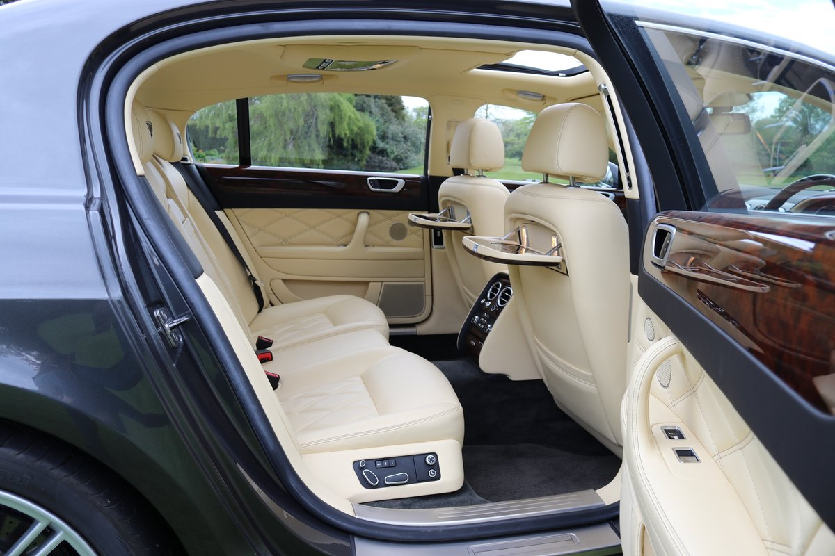 2010 BENTLEY FLYING SPUR SPEED For Sale (picture 5 of 6)