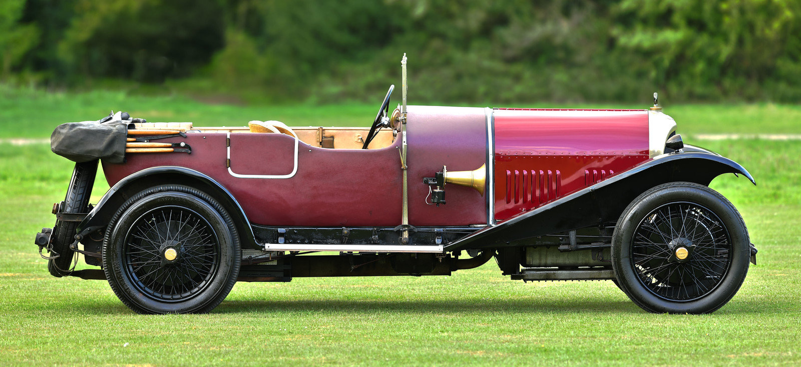 1926 Bentley 3 litre with Vanden Plas Style Body For Sale (picture 2 of 6)
