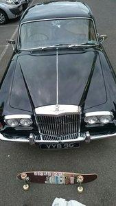 BENTLEY T1  1969  6.3   V8  BLACK