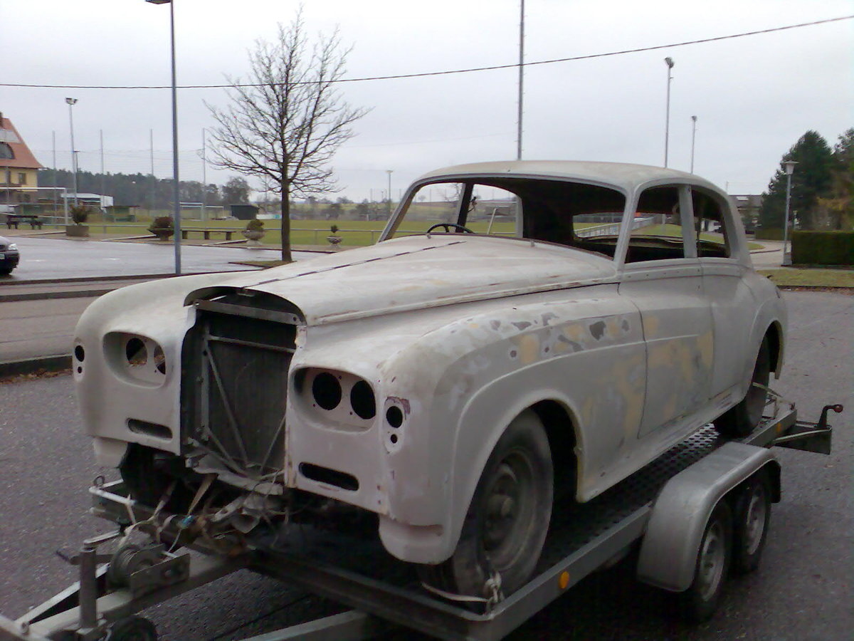 1962 Early Bentley S3 Saloon for Restauration For Sale (picture 3 of 6)