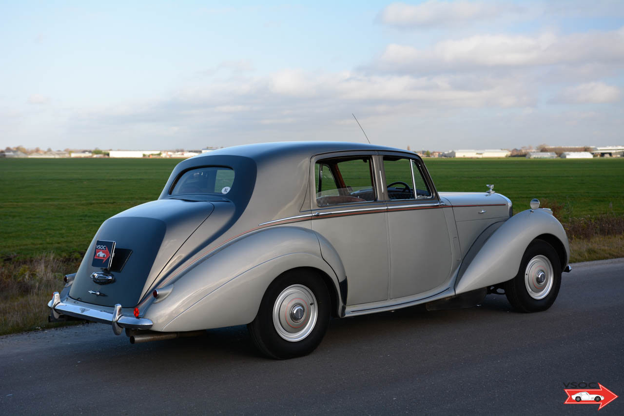 1953 Bentley R Type Saloon Highly original example For Sale (picture 2 of 6)