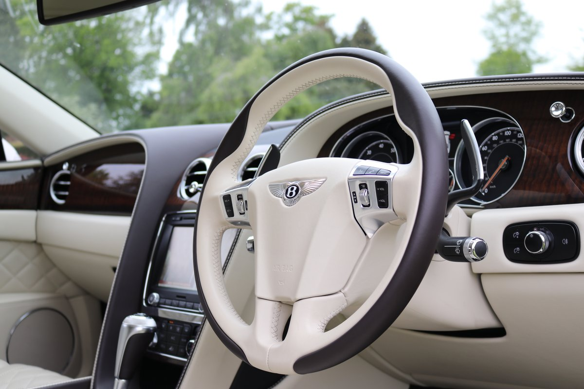 2017 BENTLEY FLYING SPUR V8S For Sale (picture 3 of 6)