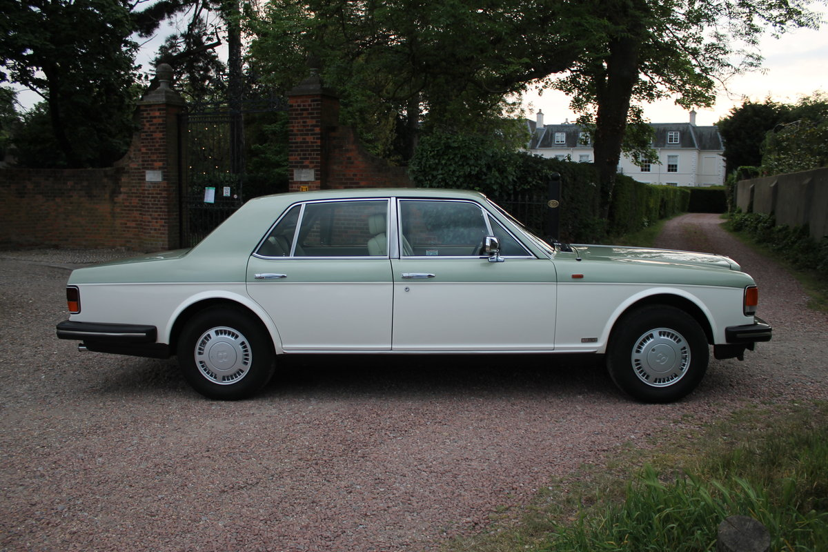 1984 Breathtaking Bentley Mulsanne Turbo With Low Mileage & FSH For Sale (picture 2 of 6)