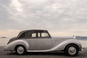1953 Bentley R type Newly rstored inside out ! For Sale