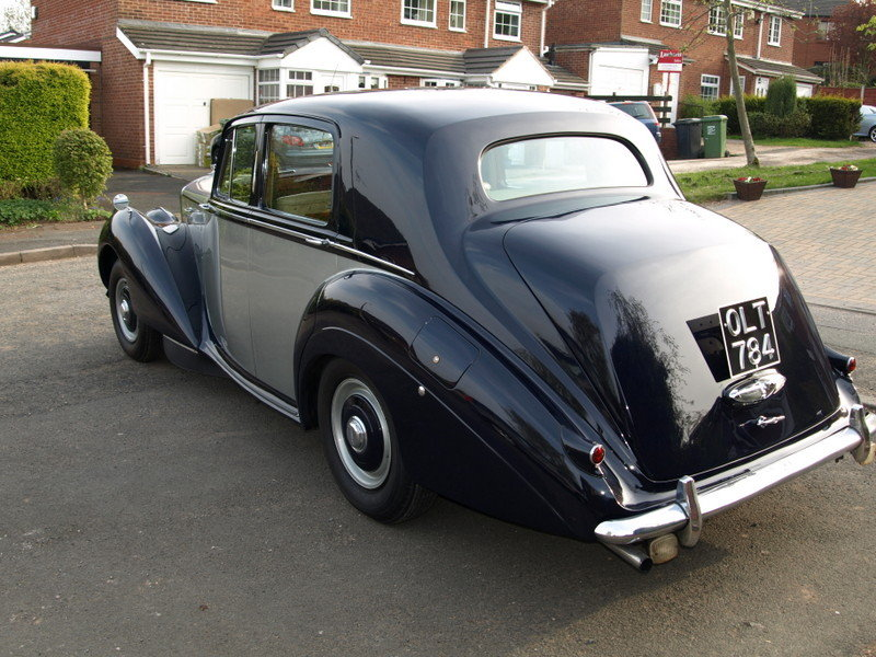 1954 R Type Bentley Automatic For Sale (picture 2 of 6)