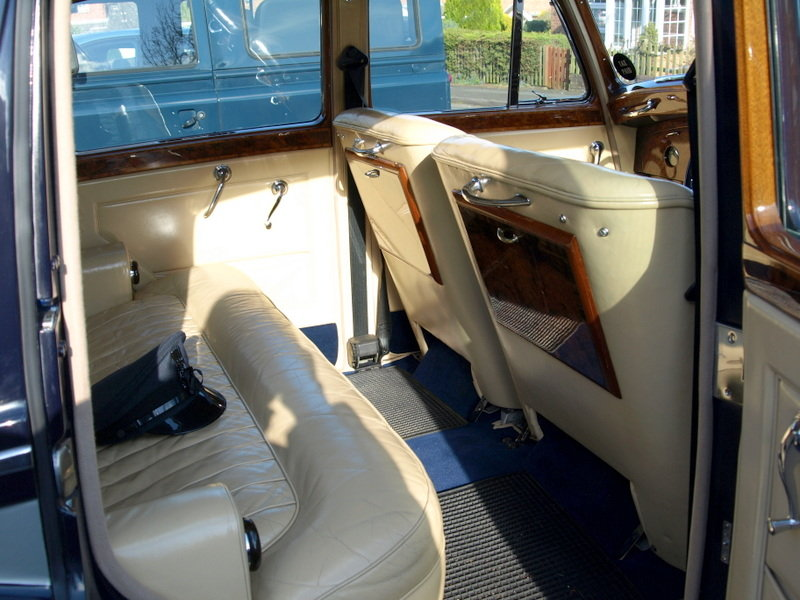 1954 R Type Bentley Automatic For Sale (picture 5 of 6)