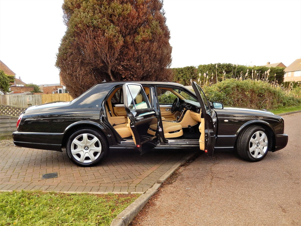 2005 LHD ARNAGE T TWIN TURBO -- 2 owners  For Sale (picture 2 of 6)