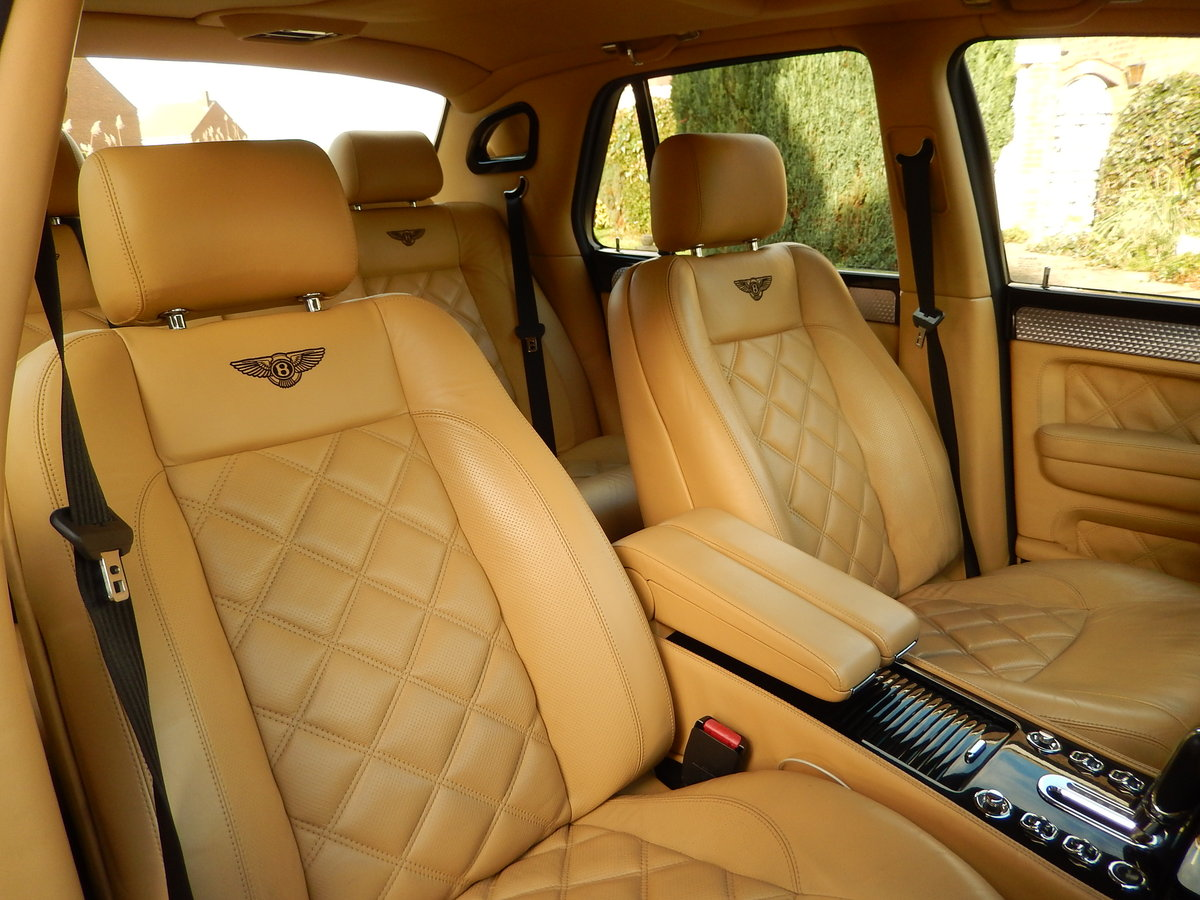 2005 LHD ARNAGE T TWIN TURBO -- 2 owners  For Sale (picture 4 of 6)