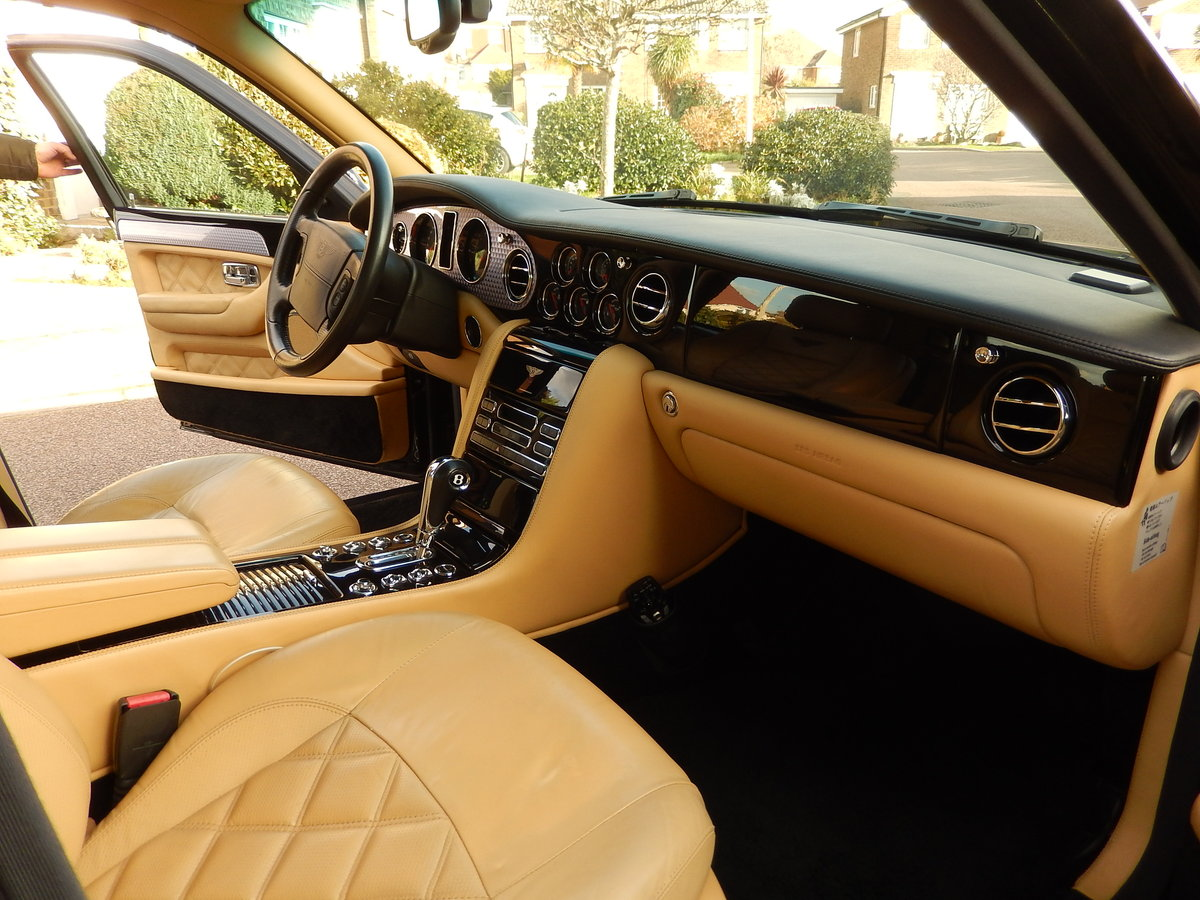 2005 LHD ARNAGE T TWIN TURBO -- 2 owners  For Sale (picture 6 of 6)