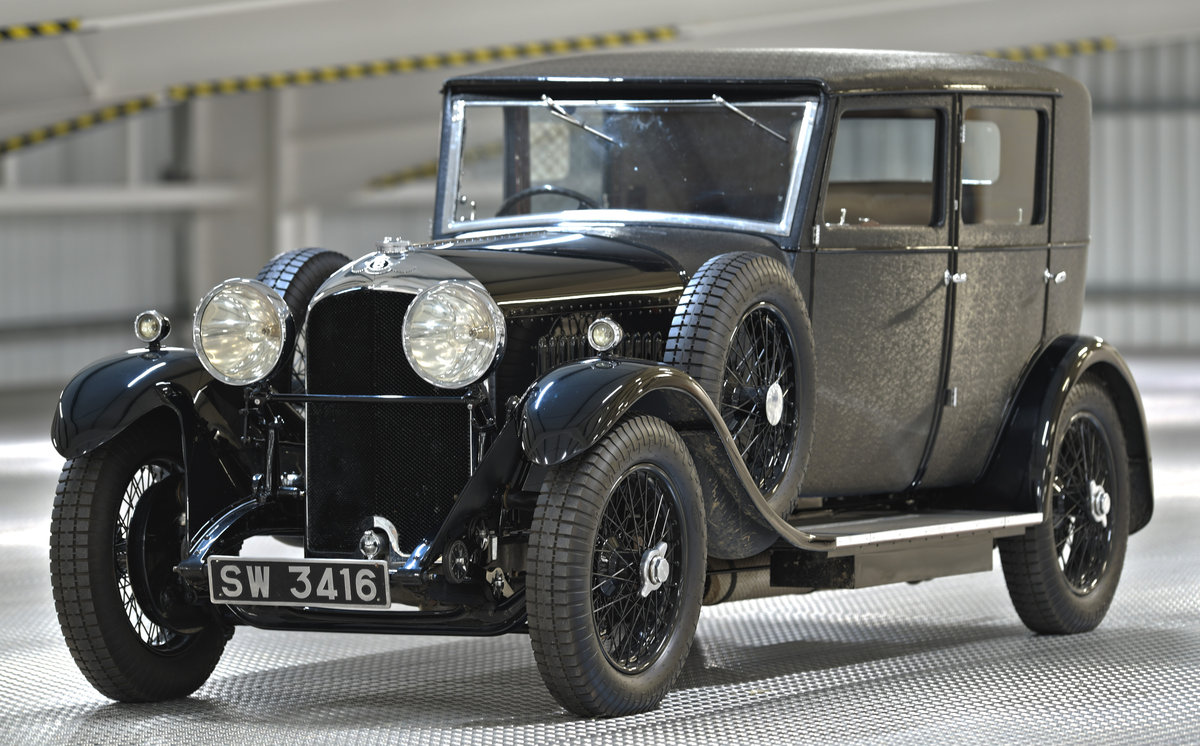 1929 4 1/2 Litre H.J. Mulliner Weymann Saloon For Sale (picture 1 of 6)