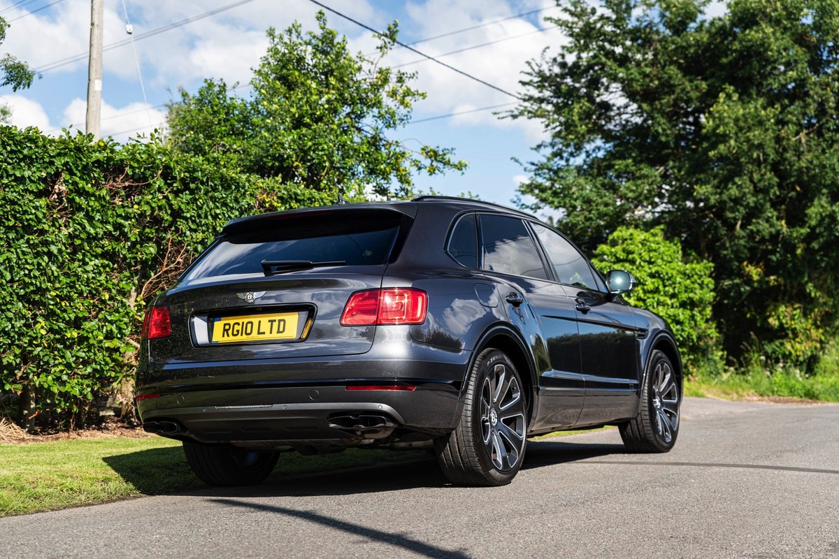 2019 (19) Bentley Bentayga V8 For Sale (picture 2 of 6)