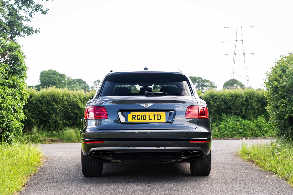 2019 (19) Bentley Bentayga V8 For Sale (picture 3 of 6)