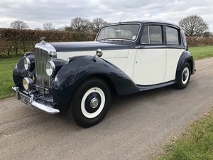 Bentley mark v saloon in dark blue and ivory 1951  For Sale