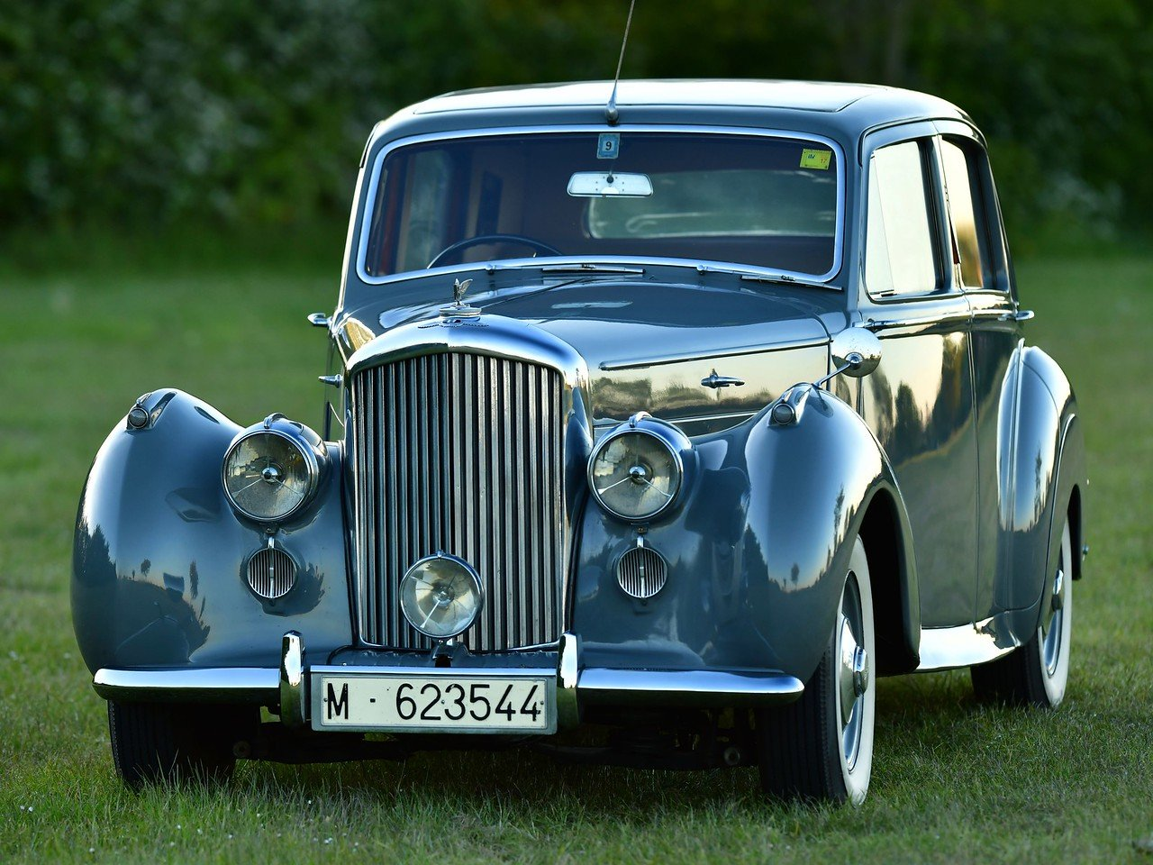 1949 Bentley MKVI Standard Steel Saloon For Sale (picture 1 of 6)