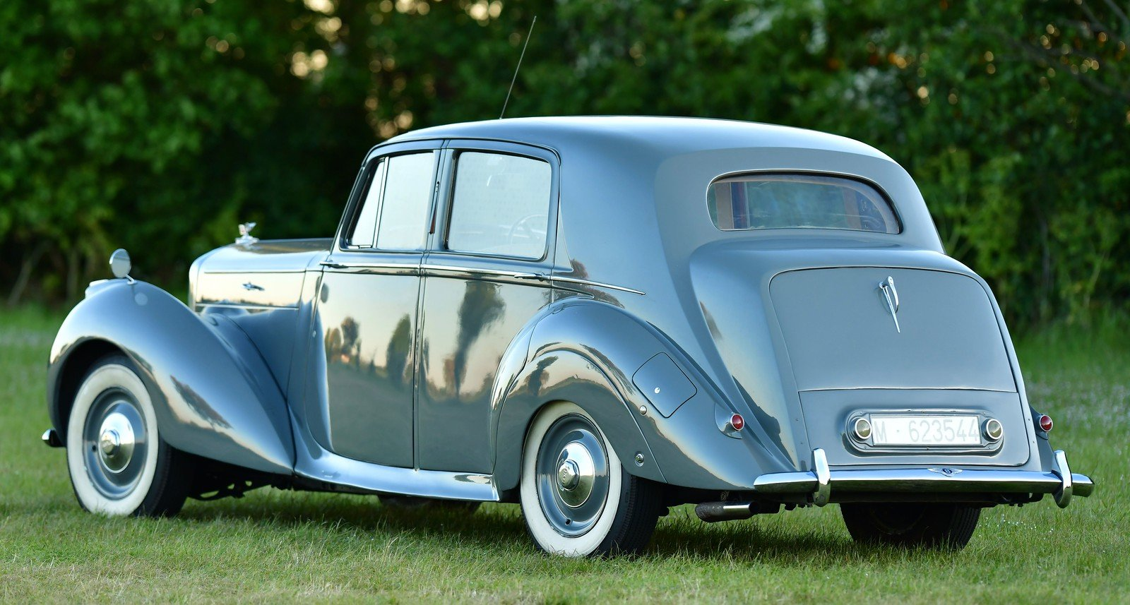 1949 Bentley MKVI Standard Steel Saloon For Sale (picture 2 of 6)
