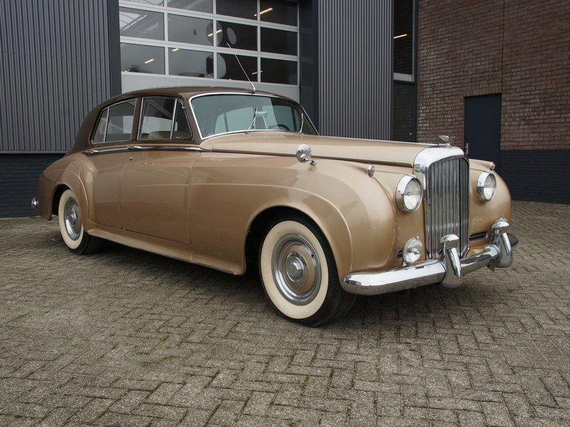 1955 Bentley S1 original LHD, original colours, early S1 For Sale (picture 1 of 6)