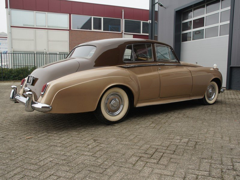 1955 Bentley S1 original LHD, original colours, early S1 For Sale (picture 2 of 6)
