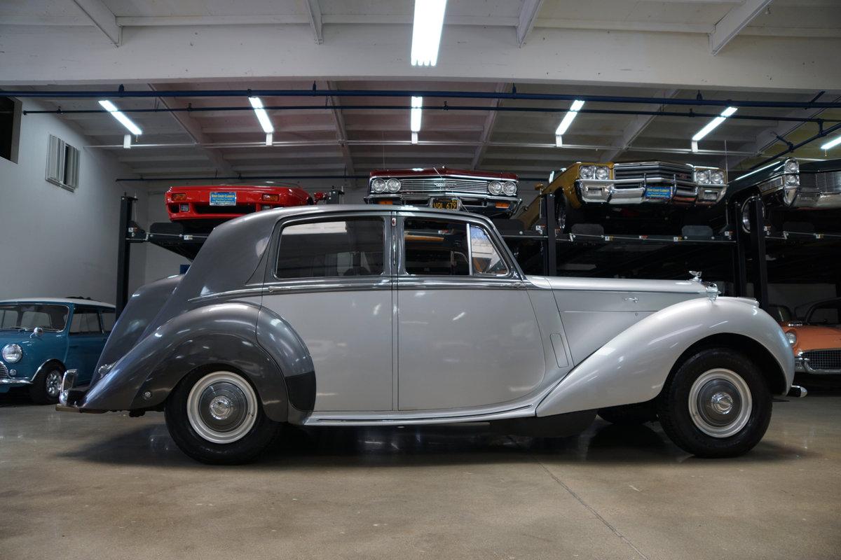 1952 Bentley Mark VI 'Big Bore' 4.6L Saloon SOLD (picture 2 of 6)