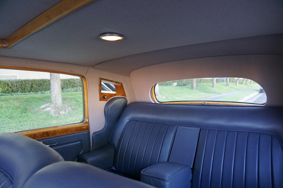 1952 Bentley Mark VI 'Big Bore' 4.6L Saloon SOLD (picture 6 of 6)