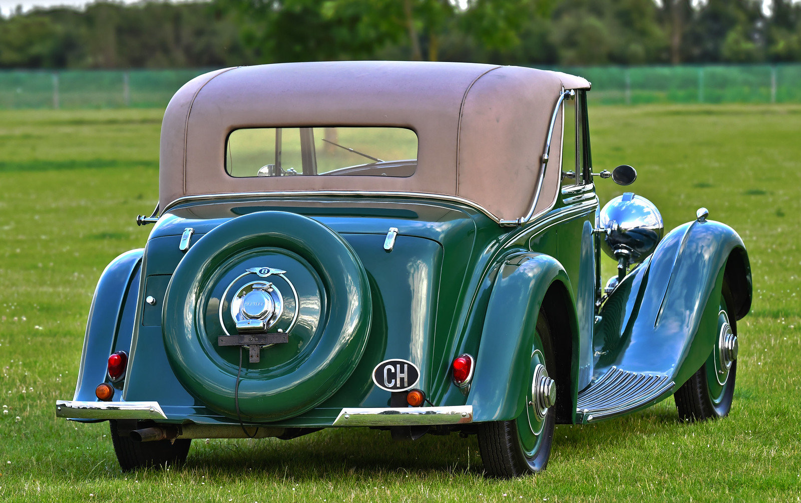 1935 Derby Bentley 3 1/2 Litre Sedanca Coupe by H.J. Mulline For Sale (picture 2 of 6)