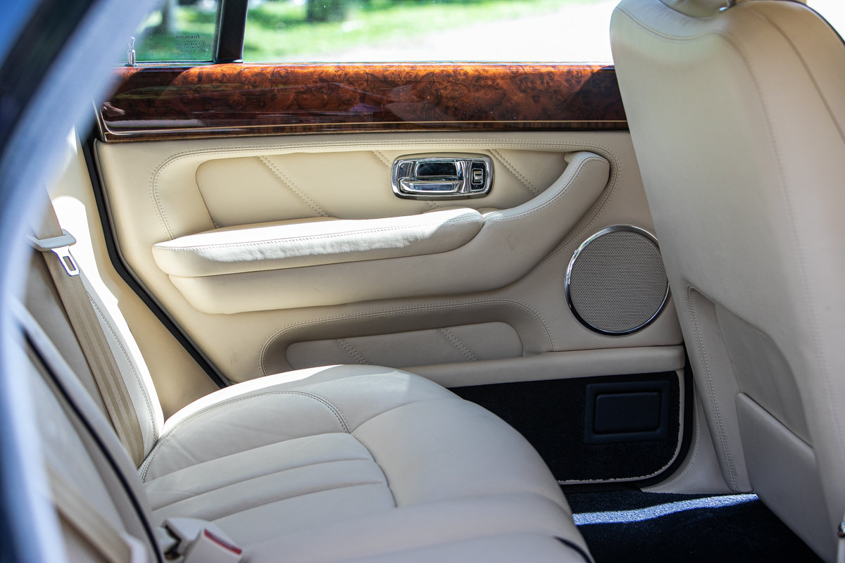 2010 Bentley Arnage R SOLD by Auction (picture 6 of 6)