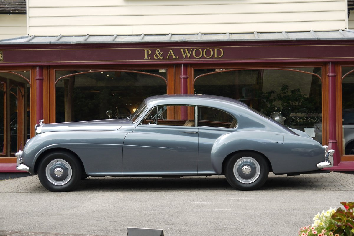 Bentley R-Type Continental 1955 Fastback by H.J. Mulliner For Sale (picture 2 of 4)
