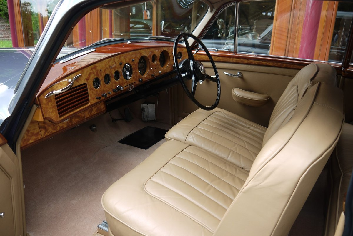 Bentley R-Type Continental 1955 Fastback by H.J. Mulliner For Sale (picture 3 of 4)