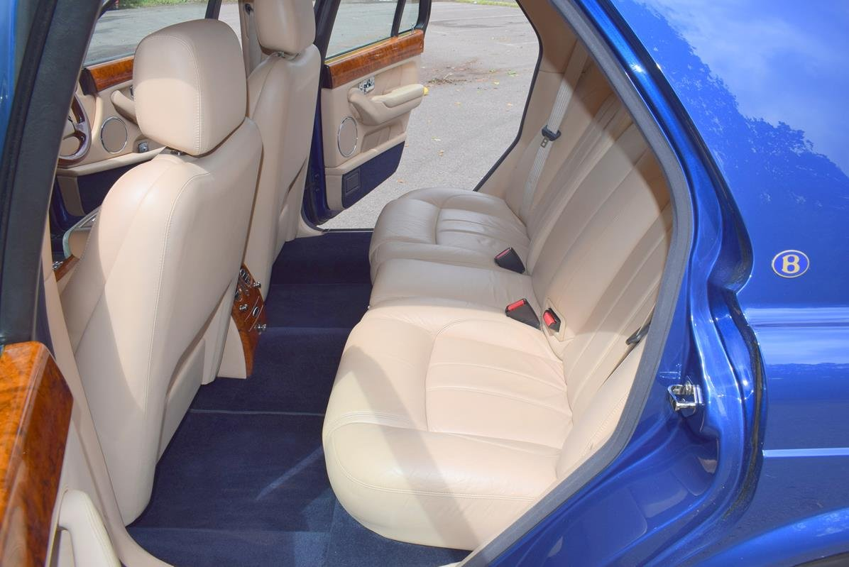 2003/03 Bentley Arnage R in Moroccan Blue For Sale (picture 3 of 6)