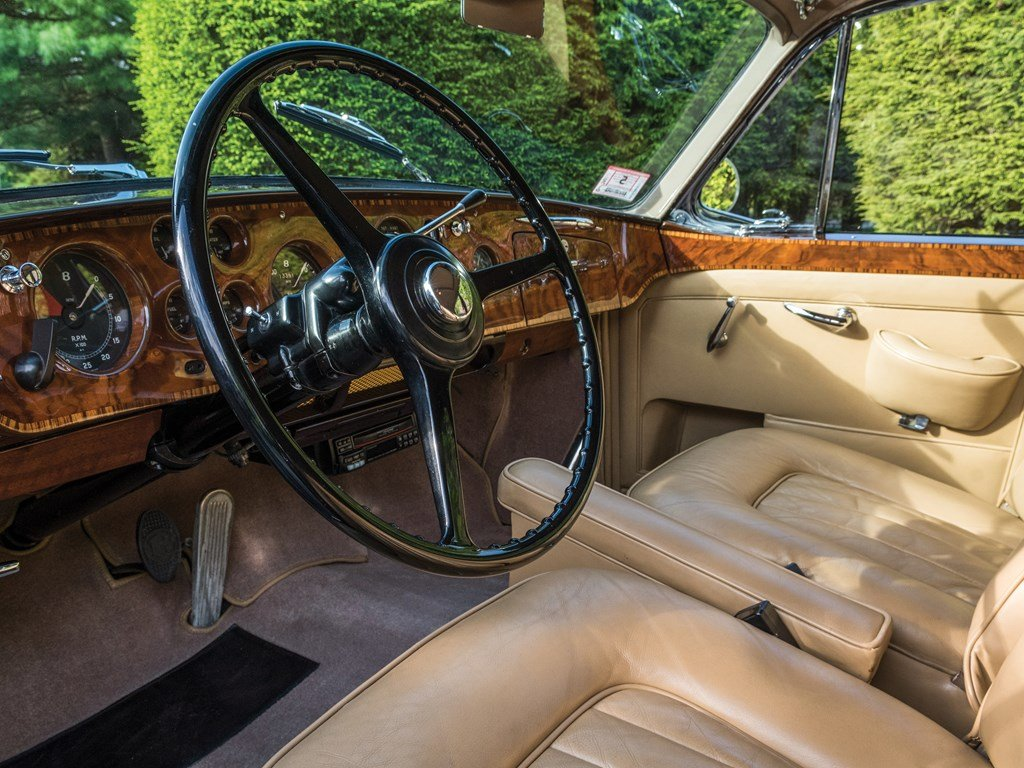 1959 Bentley S1 Continental Flying Spur Sports Saloon by H.J For Sale by Auction (picture 4 of 6)