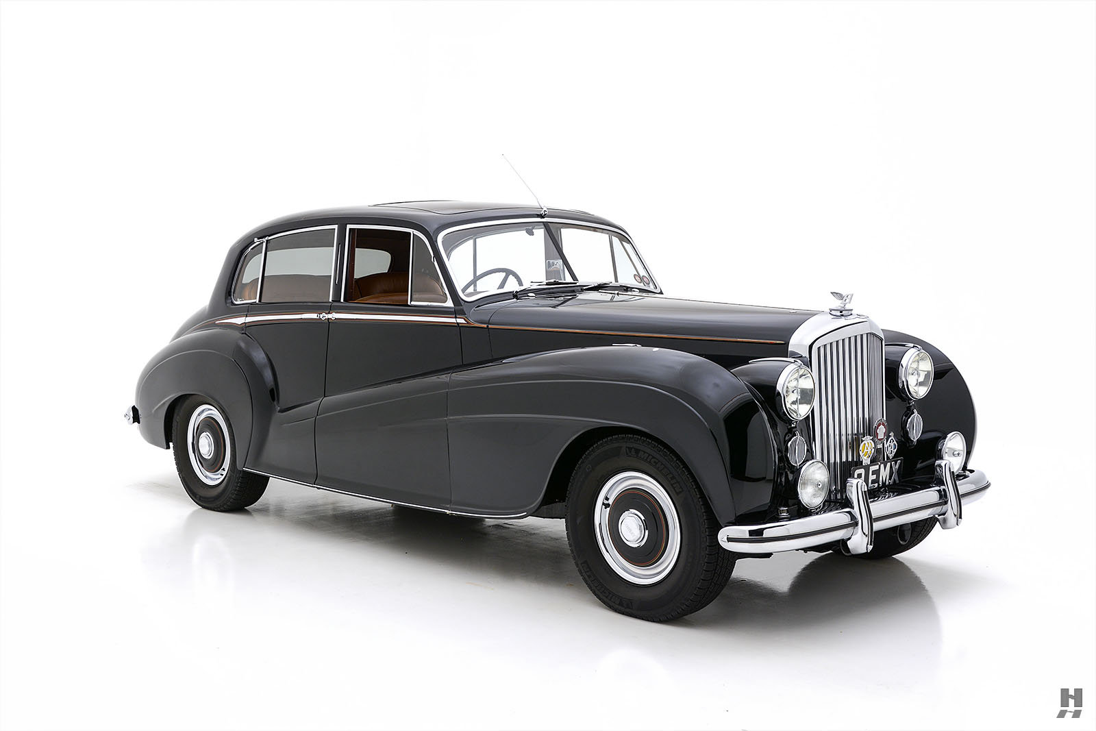 1951 BENTLEY MARK VI MULLINER LIGHTWEIGHT SPORTS SALOON For Sale (picture 2 of 6)