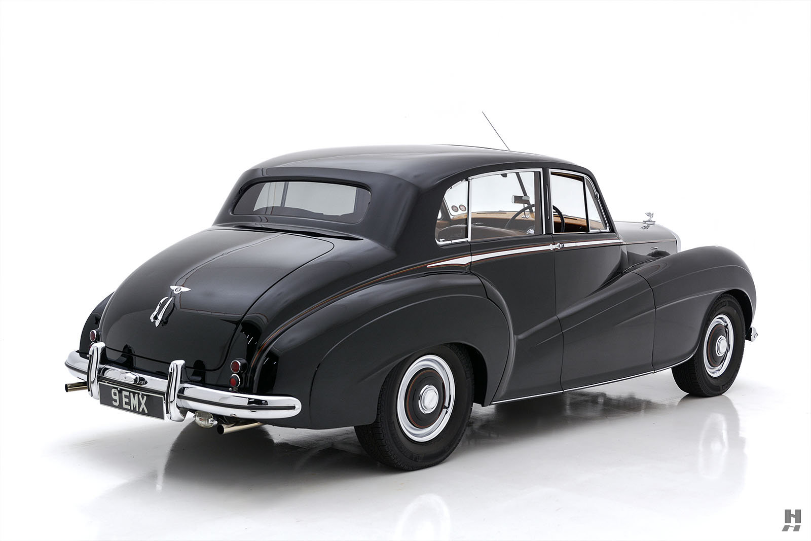 1951 BENTLEY MARK VI MULLINER LIGHTWEIGHT SPORTS SALOON For Sale (picture 5 of 6)