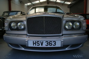 2000 Bentley Arnage red label ONLY 30K miles condition to match For Sale