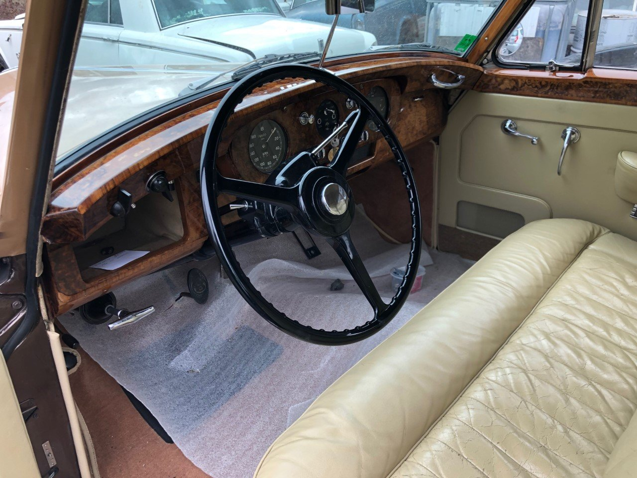 1957 Bentley S1 LHD European renovated  For Sale (picture 3 of 6)