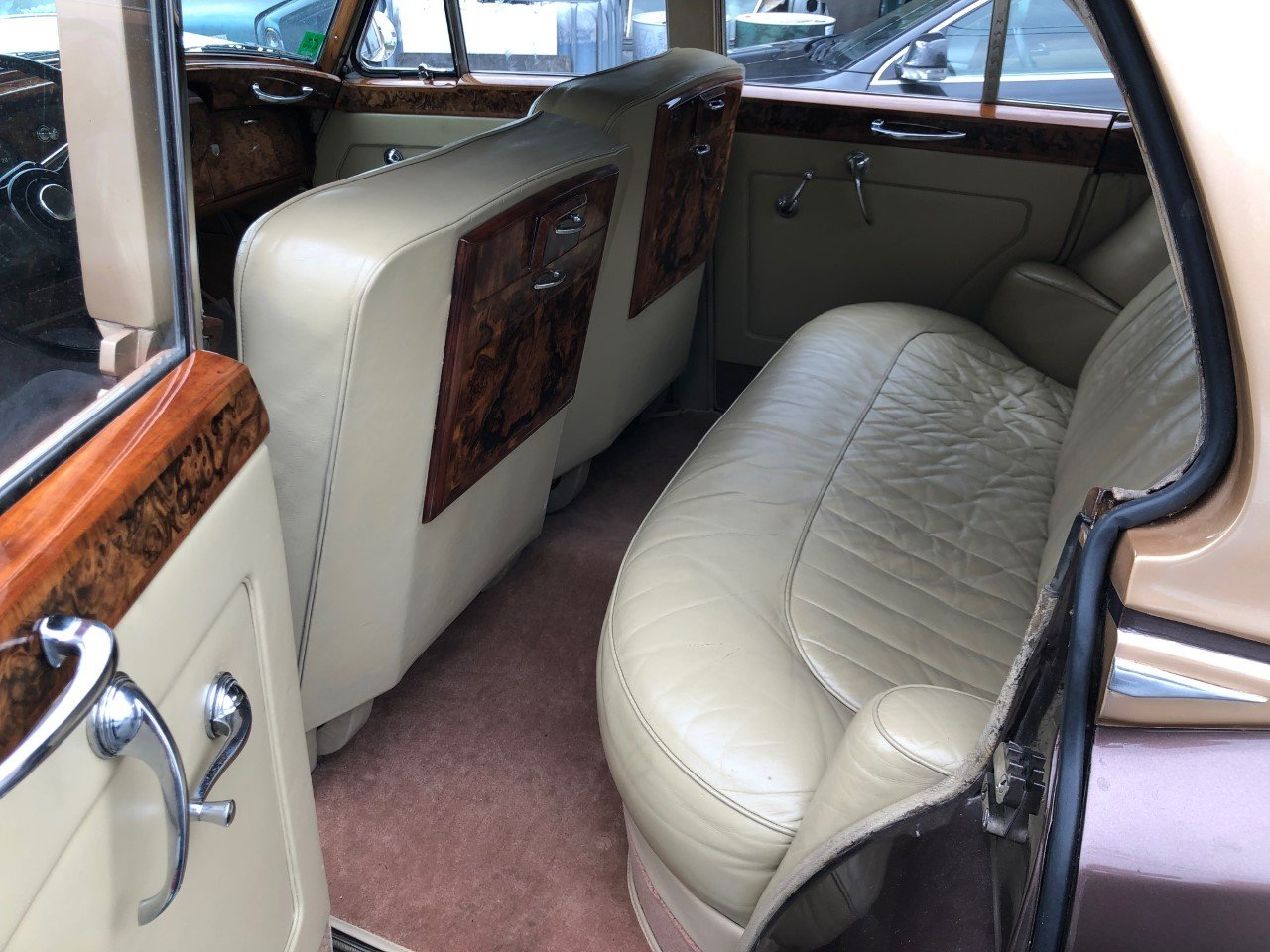 1957 Bentley S1 LHD European renovated  For Sale (picture 4 of 6)