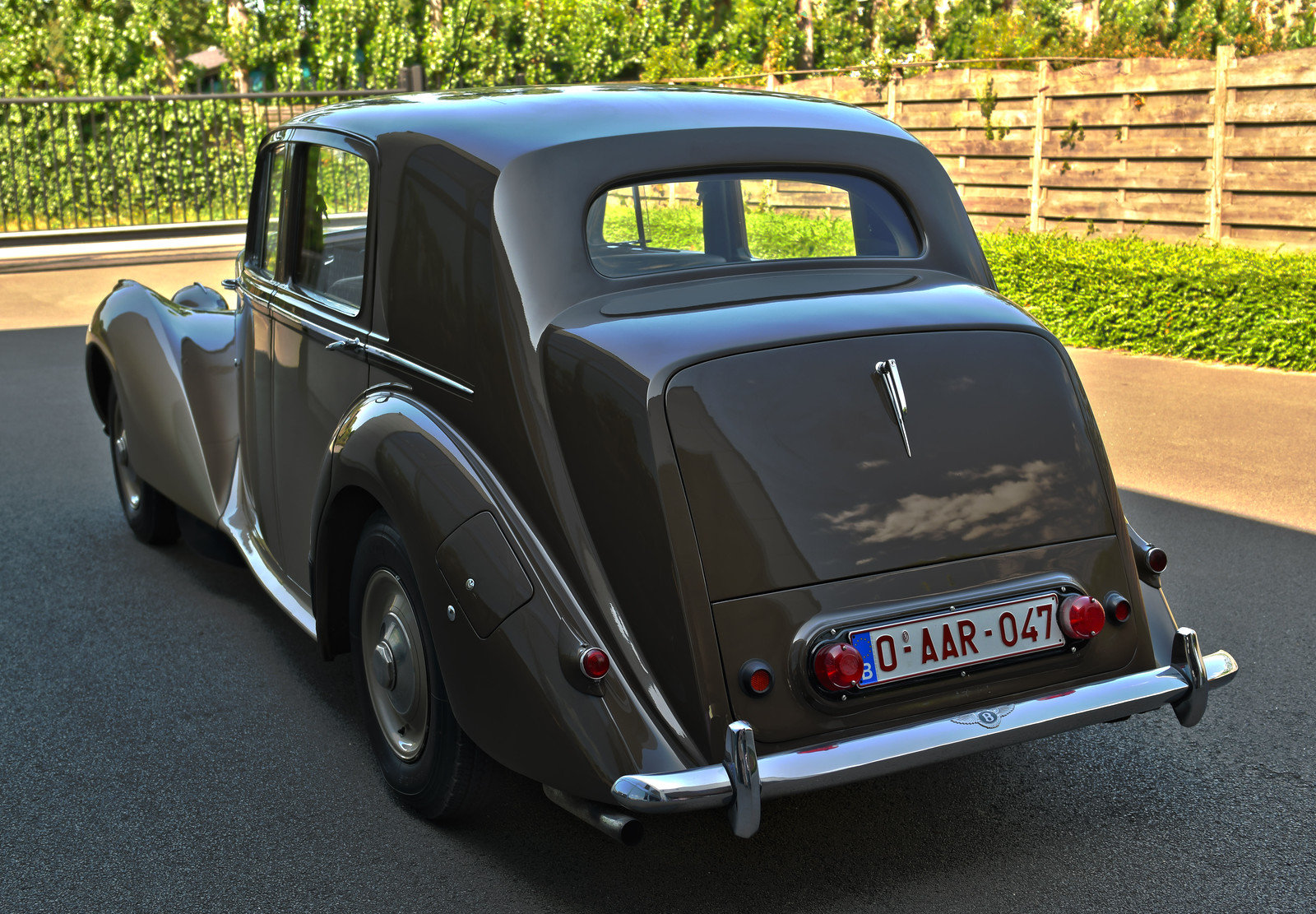 1949 Bentley Mark 6 Standard Steel Saloon For Sale (picture 2 of 6)