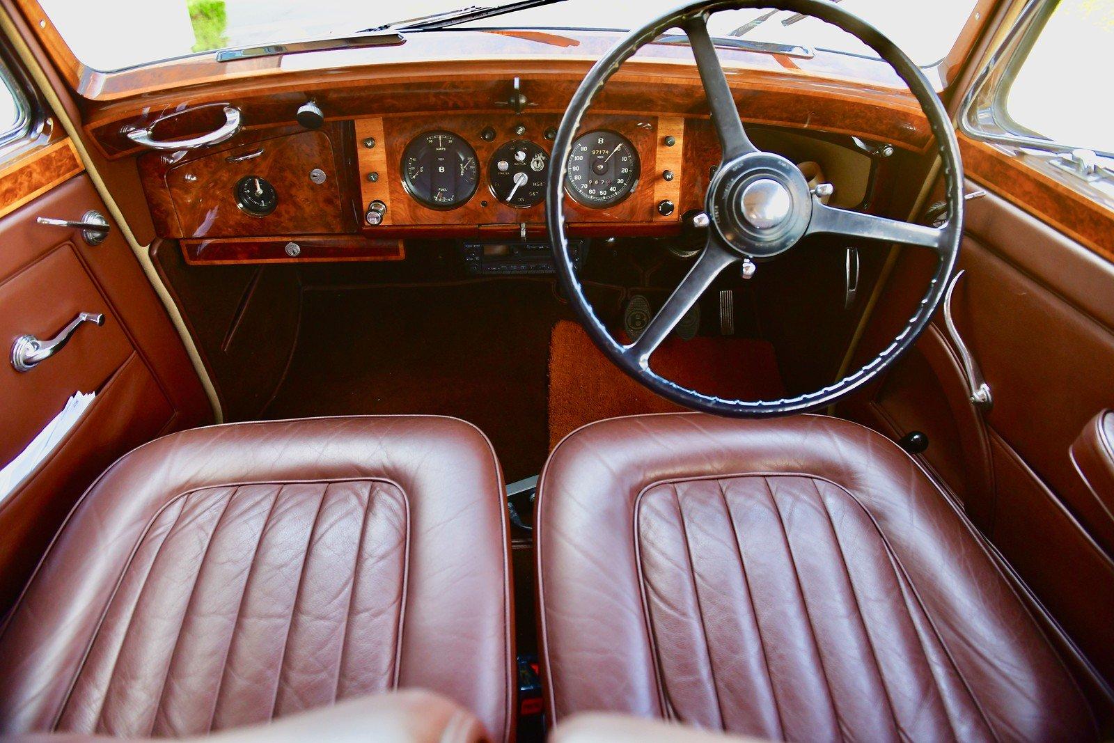 1949 Bentley Mark 6 Standard Steel Saloon For Sale (picture 4 of 6)